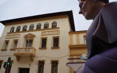 La Falla Don Bosco celebra su 30 aniversario con una falla dedicada al fundador de los Salesianos