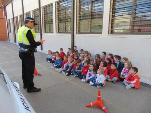 (19-05-17) VISITA POLICÍA LOCAL